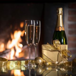 Champagne and Fireplace - Obrázkek zdarma pro 1024x1024