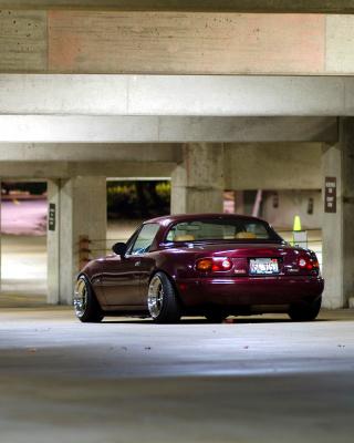 Mazda RX 8 In Garage - Obrázkek zdarma pro iPhone 5