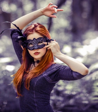 Girl In Mask - Obrázkek zdarma pro Nokia Asha 503