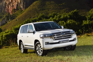 Toyota Land Cruiser 200 Picture for Android, iPhone and iPad
