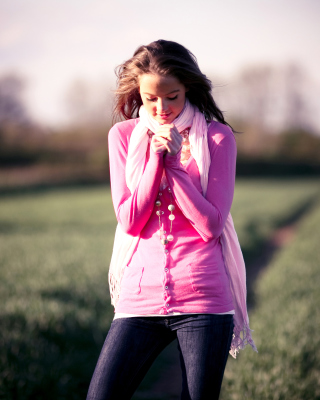 Countryside cute girl portrait - Obrázkek zdarma pro Nokia C1-00