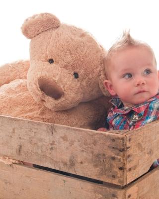 Baby Boy With Teddy Bear - Obrázkek zdarma pro Nokia C2-00