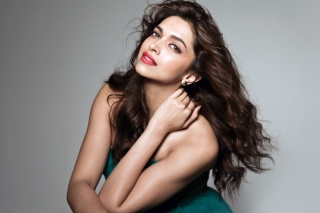 Deepika Padukone Bollywood Actress Picture for Android, iPhone and iPad