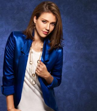Jessica Alba In Blue Coat - Obrázkek zdarma pro 480x800
