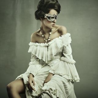 Woman in Mask - Obrázkek zdarma pro iPad