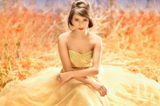 Golden Lady Wallpaper for Android, iPhone and iPad