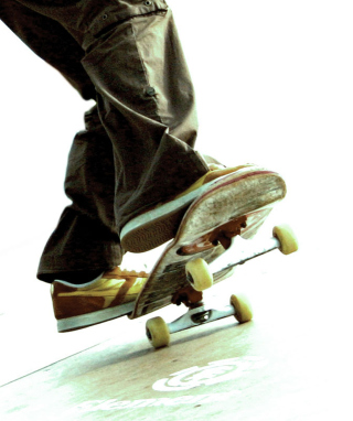 Skateboard - Obrázkek zdarma pro 176x220
