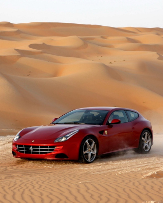 Ferrari FF in Desert - Obrázkek zdarma pro 240x320