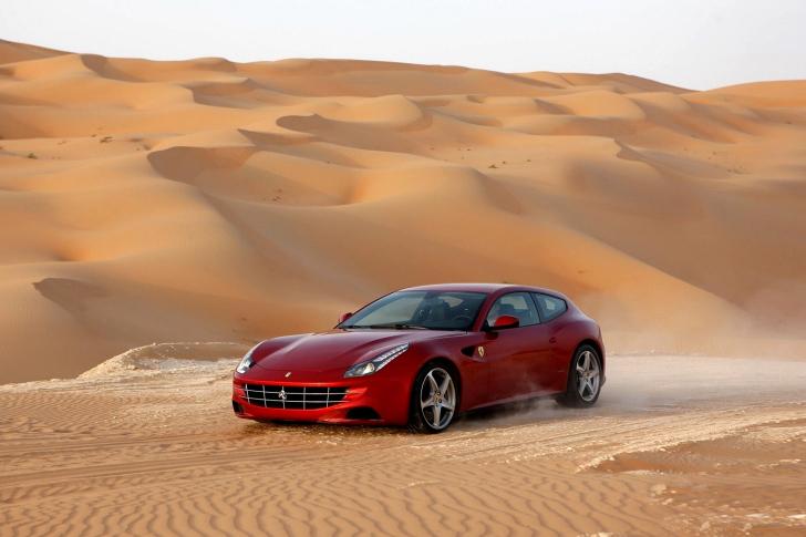 Ferrari FF in Desert wallpaper