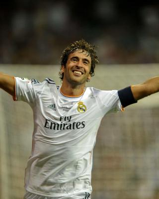 Raul Gonzalez Real Madrid - Obrázkek zdarma pro Nokia 300 Asha