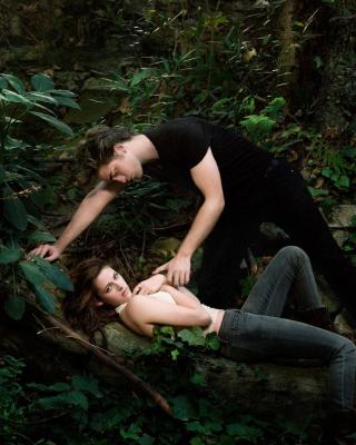 Robert Pattinson With Kristen Stewart - Obrázkek zdarma pro Nokia Asha 202