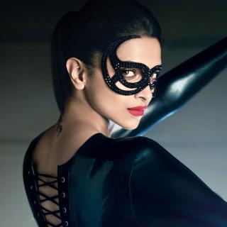 Deepika Padukone in Mask - Obrázkek zdarma pro iPad