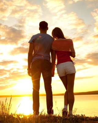 Sunrise Couple - Obrázkek zdarma pro Nokia Lumia 505