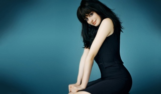 Anne Hathaway In Little Black Dress Background for Android, iPhone and iPad