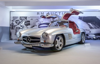 Mercedes-Benz 300SL Background for Android, iPhone and iPad