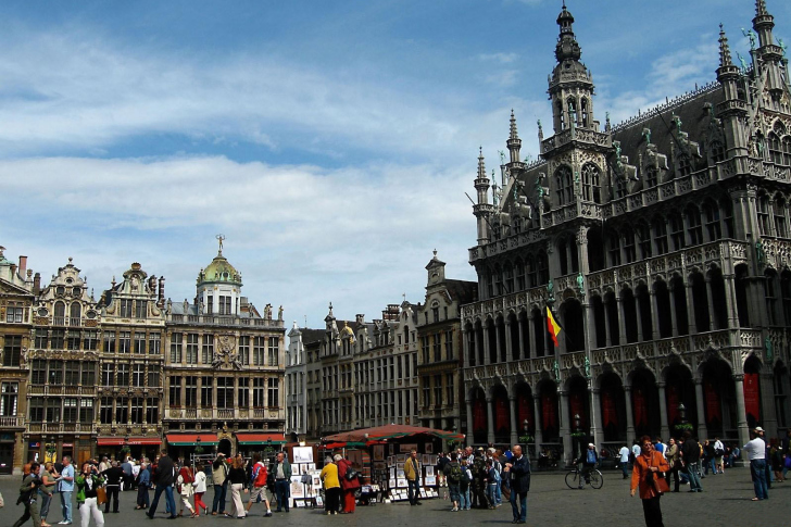 Brussels Grand Place on Main Square wallpaper