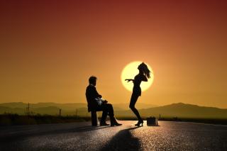 девушка танцует фото