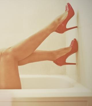 Red Shoes With High Heels - Obrázkek zdarma pro Nokia Asha 310