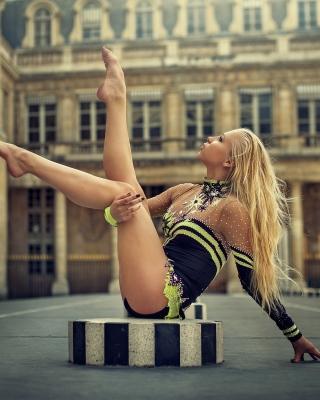 Gymnast Girl in Paris - Obrázkek zdarma pro iPhone 6 Plus