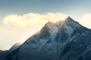 Everest in Nepal Background for Android, iPhone and iPad