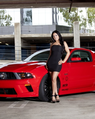 Ford Mustang GT Vortech with Brunette Girl - Obrázkek zdarma pro iPhone 5C