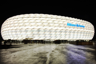 Allianz Arena is stadium in Munich - Obrázkek zdarma pro Samsung Galaxy A3