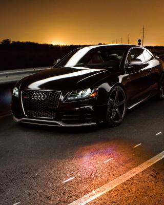 Audi RS5 - Obrázkek zdarma pro iPhone 3G