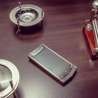Vertu Phone - Obrázkek zdarma pro 1024x1024