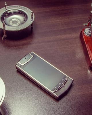 Vertu Phone - Obrázkek zdarma pro Nokia Lumia 710