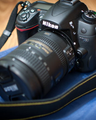 Nikon D7000 - Obrázkek zdarma pro Nokia Lumia 505