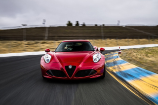 Free Alfa Romeo 4C Picture for Android, iPhone and iPad