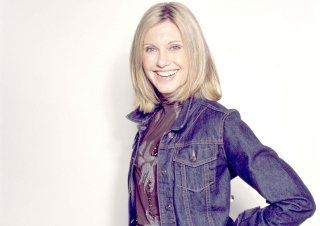 Olivia Newton John Wallpaper for Android, iPhone and iPad