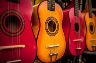 Multi Colored Guitars sfondi gratuiti per cellulari Android, iPhone, iPad e desktop