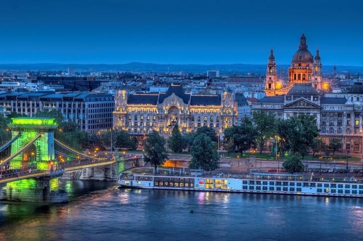 Budapest St Stephens Basilica and Danube Chain Bridge wallpaper