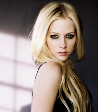Cute Blonde Avril Lavigne - Obrázkek zdarma pro 240x432