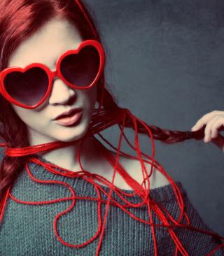 Girl In Love - Obrázkek zdarma pro Nokia Lumia 2520