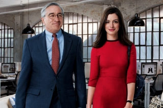 The Intern, Robert De Niro and Anne Hathaway - Obrázkek zdarma pro LG P500 Optimus One