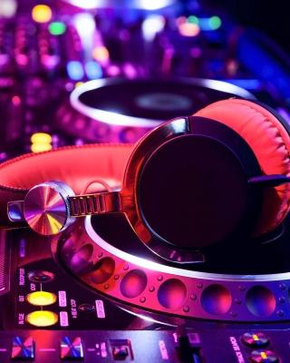 DJ Equipment in nightclub - Obrázkek zdarma pro Nokia Asha 308