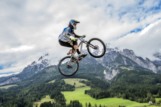 Free Bike Jump Picture for Android, iPhone and iPad