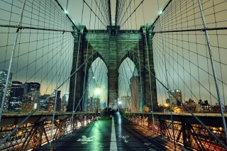 Free Brooklyn Bridge At Night Picture for Android, iPhone and iPad
