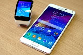 Samsung Galaxy and Samsung Gear S Smartwatch - Obrázkek zdarma pro 480x400