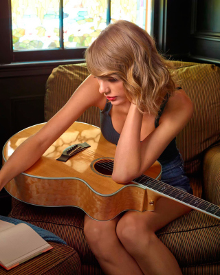 Taylor Swift - Obrázkek zdarma pro Nokia Asha 310