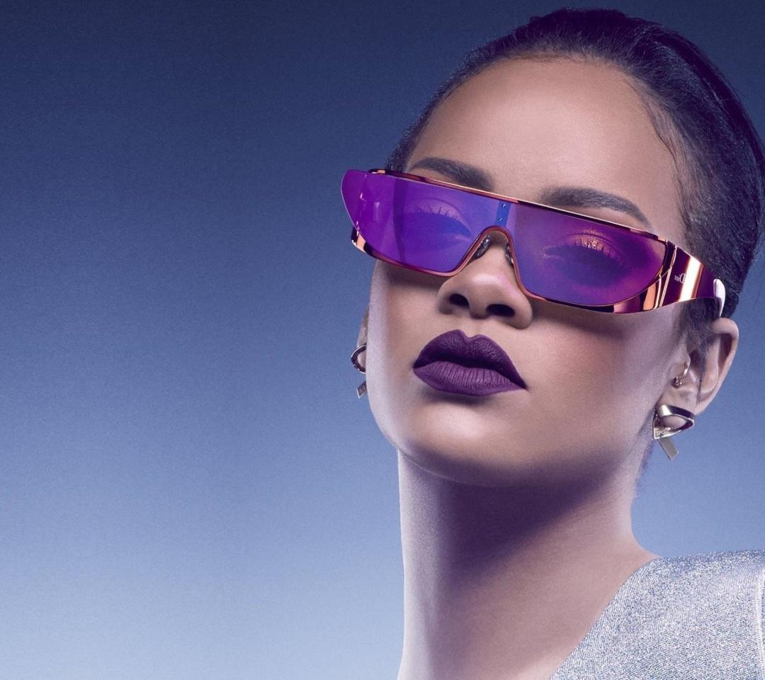 Screenshot №1 pro téma Rihanna in Dior Sunglasses 1080x960