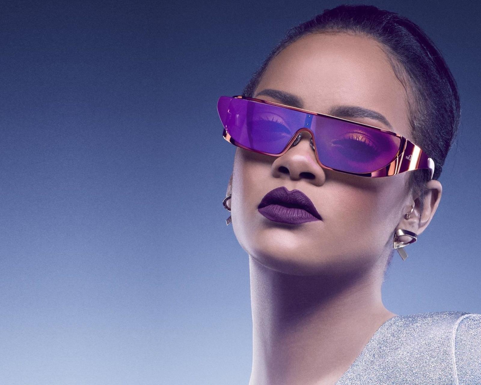 Screenshot №1 pro téma Rihanna in Dior Sunglasses 1600x1280