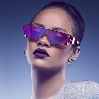 Screenshot №1 pro téma Rihanna in Dior Sunglasses 320x320
