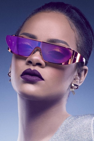 Screenshot №1 pro téma Rihanna in Dior Sunglasses 320x480