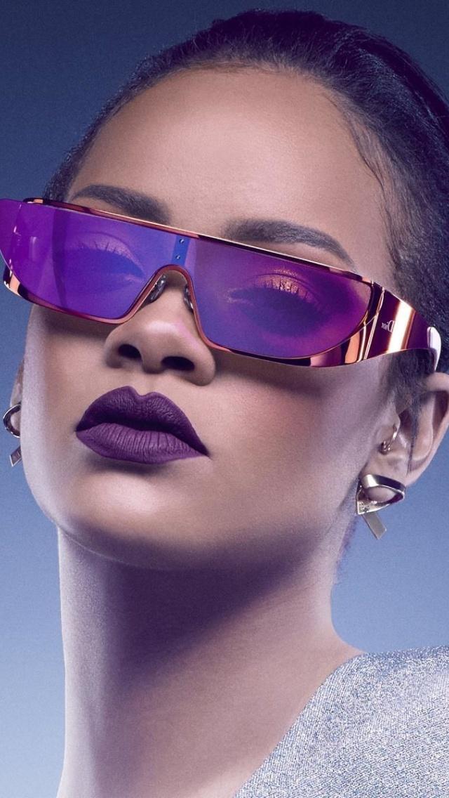 Screenshot №1 pro téma Rihanna in Dior Sunglasses 640x1136