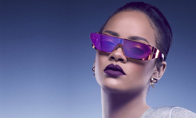 Screenshot №1 pro téma Rihanna in Dior Sunglasses 800x480