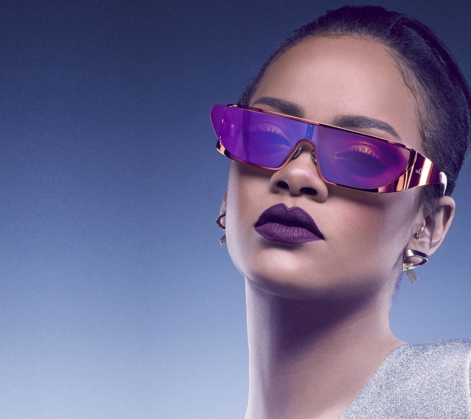 Screenshot №1 pro téma Rihanna in Dior Sunglasses 960x854