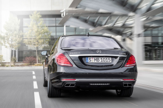 S600 Mercedes Maybach Sedan Background for Android, iPhone and iPad